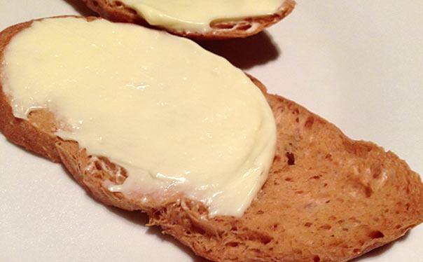 チーズクリームのバゲット
