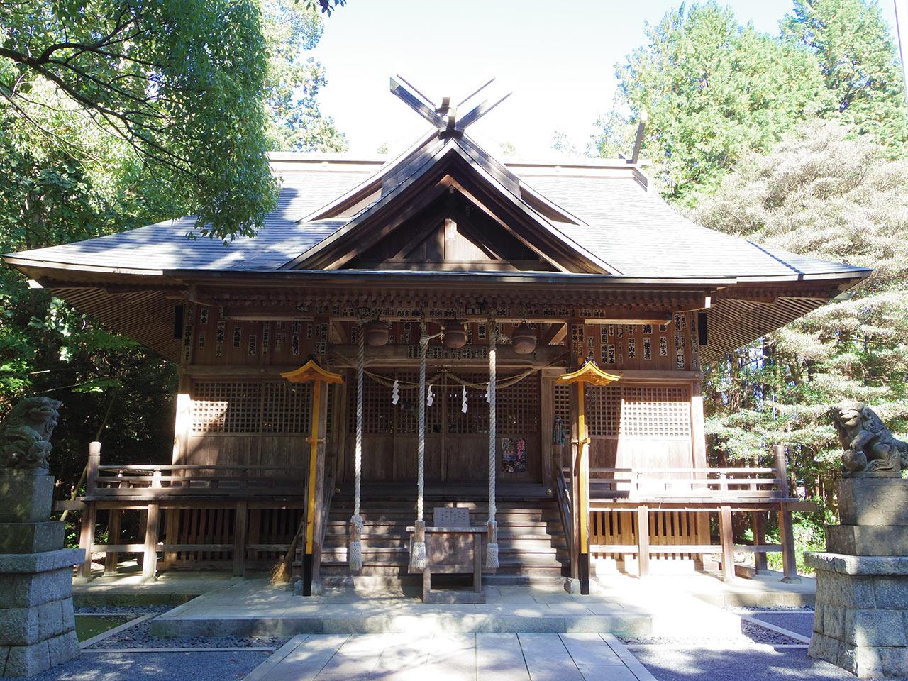 阿伎留神社 社殿