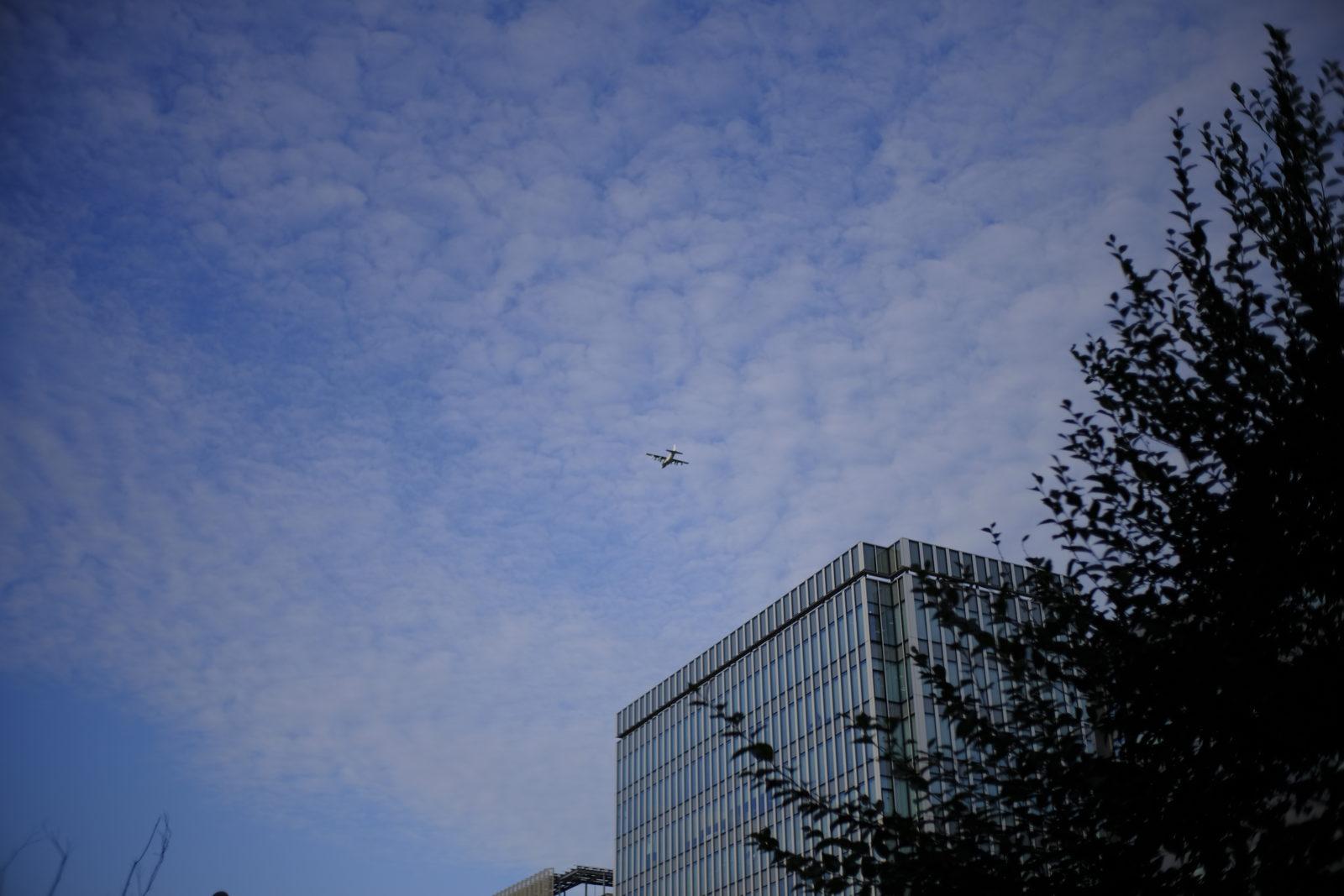 最近昼から夜半までよく飛ぶ飛行機